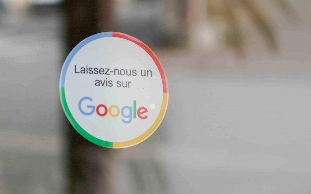Le guide complet pour vous aider à bien répondre à un avis Google, qu'il soit positif ou négatif.